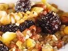 Рецепта Вегетарианска яхния от леща, боб, праз лук, нахут, картофи, ориз и сини сливи в тенджера